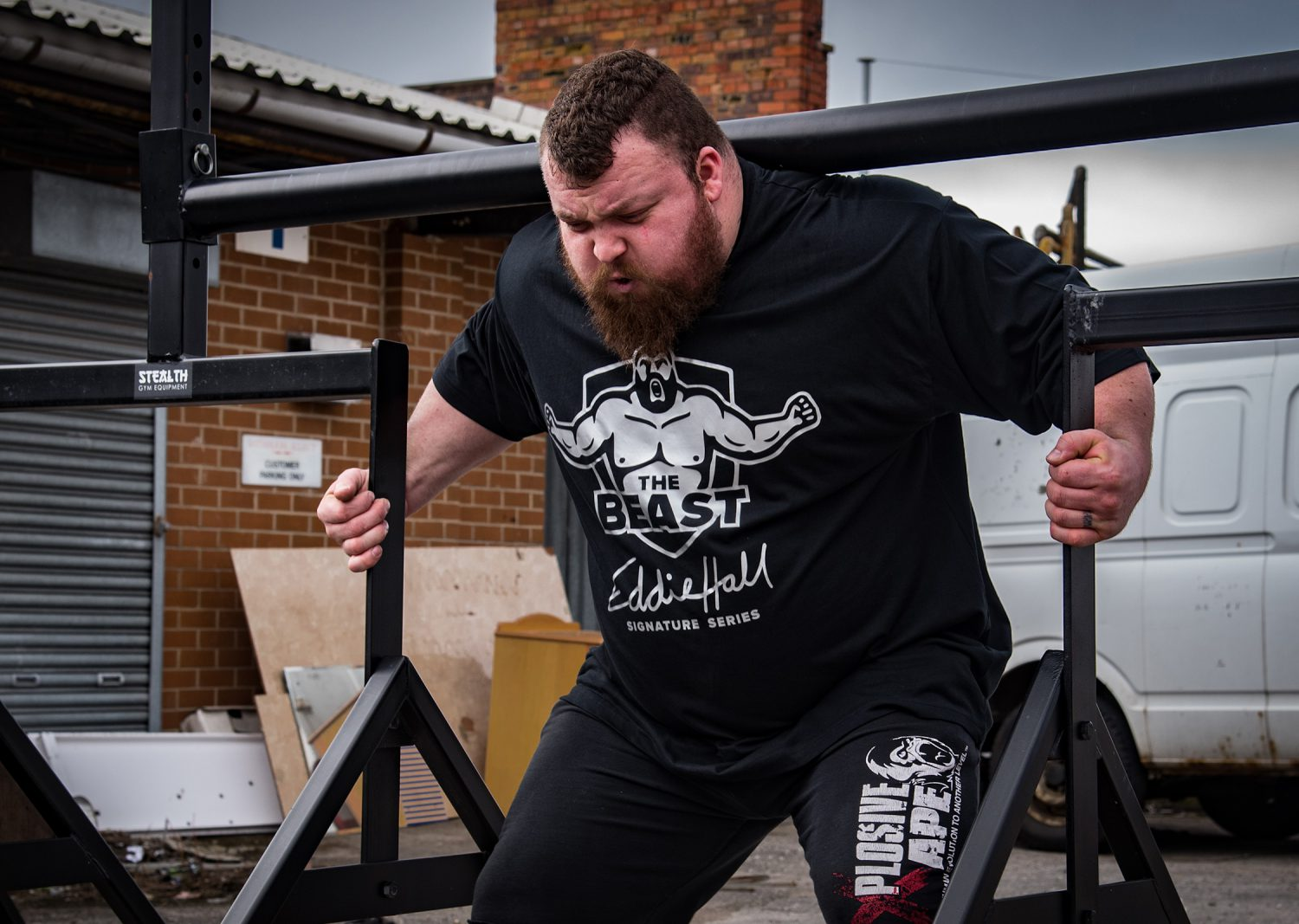 eddie-hall-the-beast-strong-man-lifting