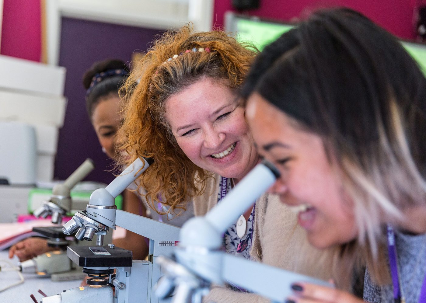 hrc-microscope-classroom