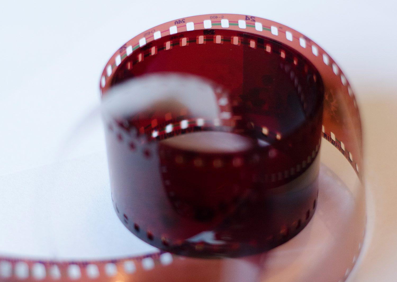 camera-film-roll
